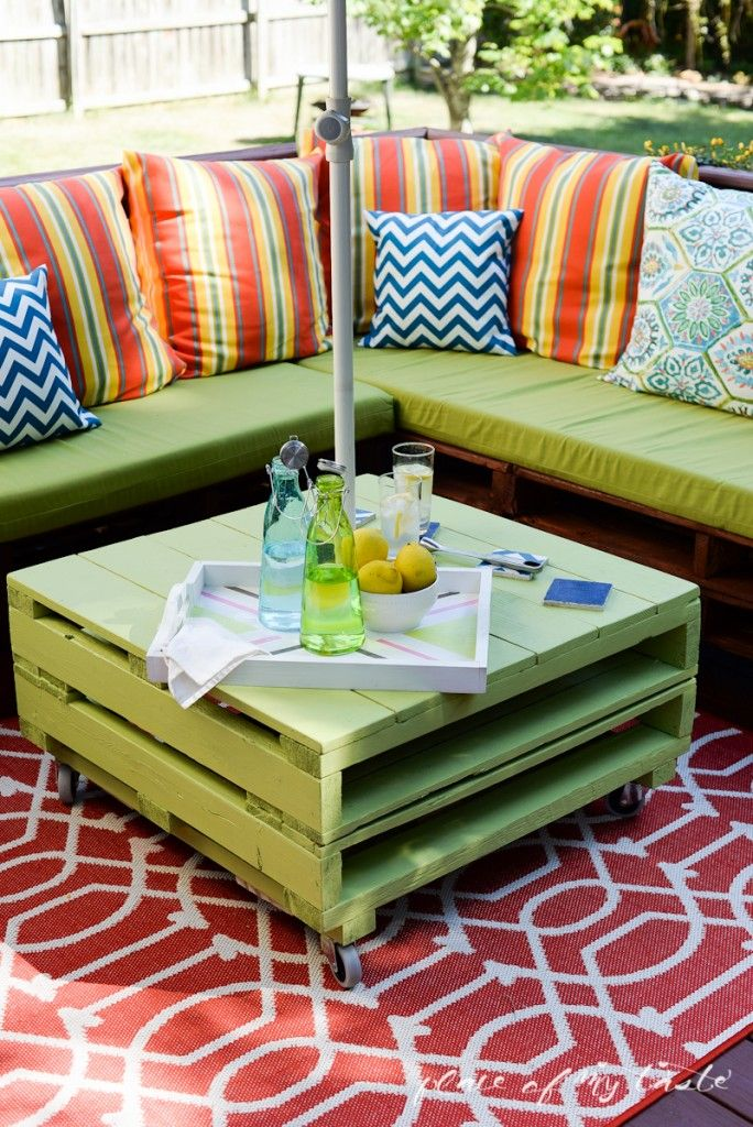 AD-Creative-Pallet-Furniture-DIY-Ideas-And-Projects-03